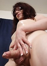 Wendy Summers Gets Slick with Baby Oil